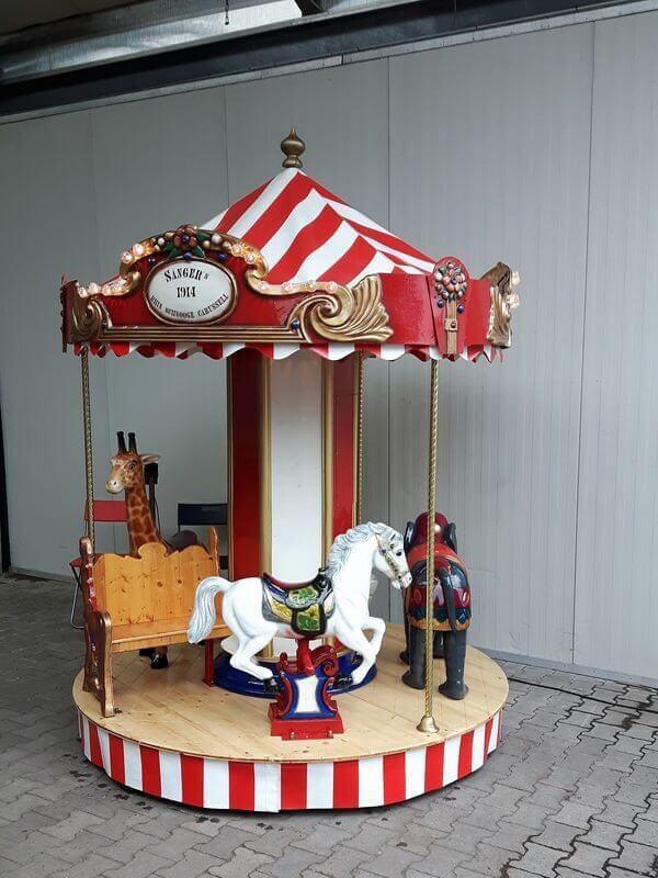 Nostalgie-Karussell mit 7 Plätzen mieten
