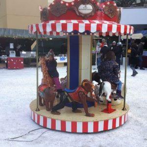 Kinderkarussell für Weihnachtsmarkt mieten